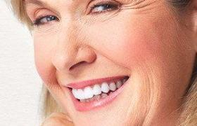 Безметалловая зубная коронка из диоксида циркония