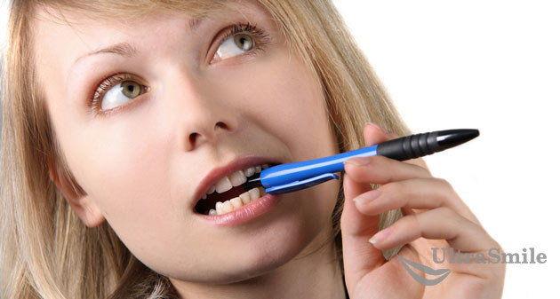 Вредная-привычка-грызть-ручку
