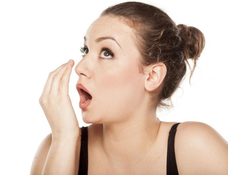 Диета, которая поможет избавиться от неприятного запаха изо рта