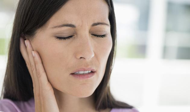Боль отдает в уши