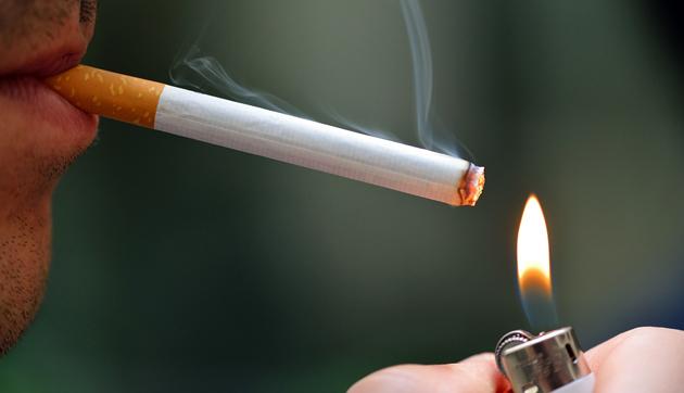 Одной из причин заболевания десен является курение