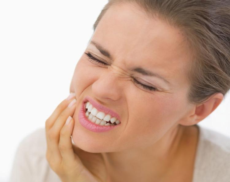 8 факторов, провоцирующих воспаление десны