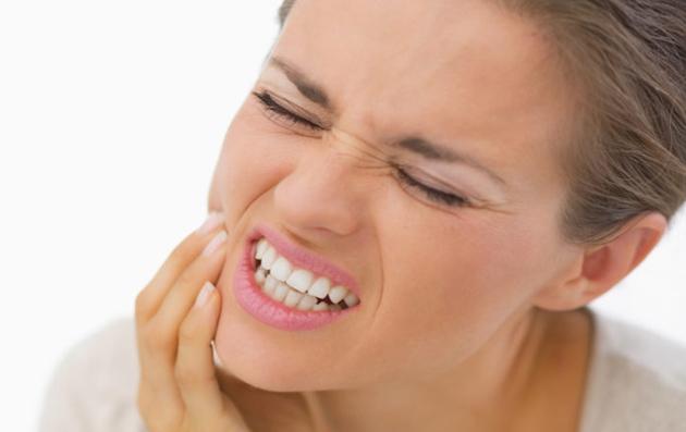 Воспаление десны – крайне опасный симптом