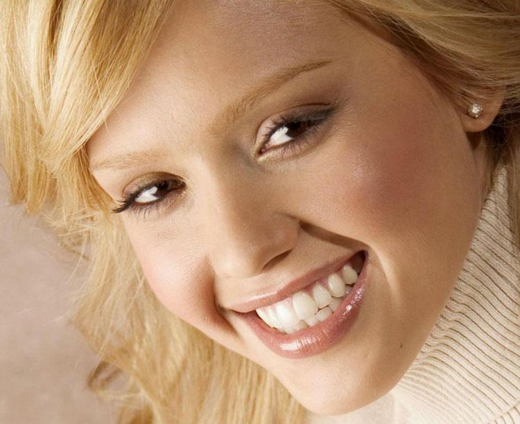 Восстановление эмаль на зубах в домашних условиях: 3 лучших способа
