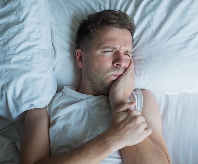5 мест, куда можно обратиться ночью, если разболелся зуб