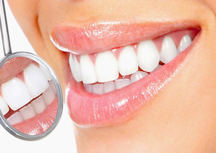 4 самых безопасных и эффективных метода отбеливания зубов