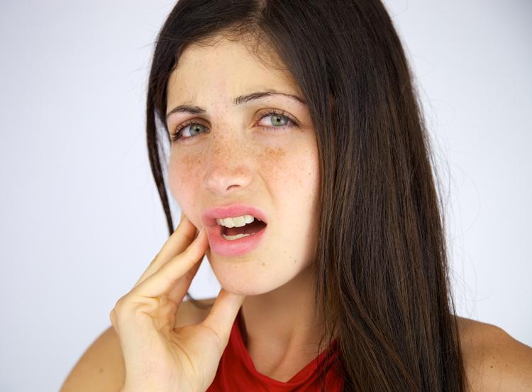 3 совета, как избежать болезненности после отбеливания зубов