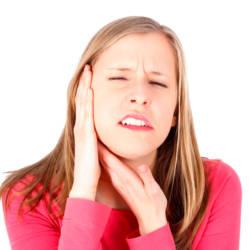 болит ухо и зуб