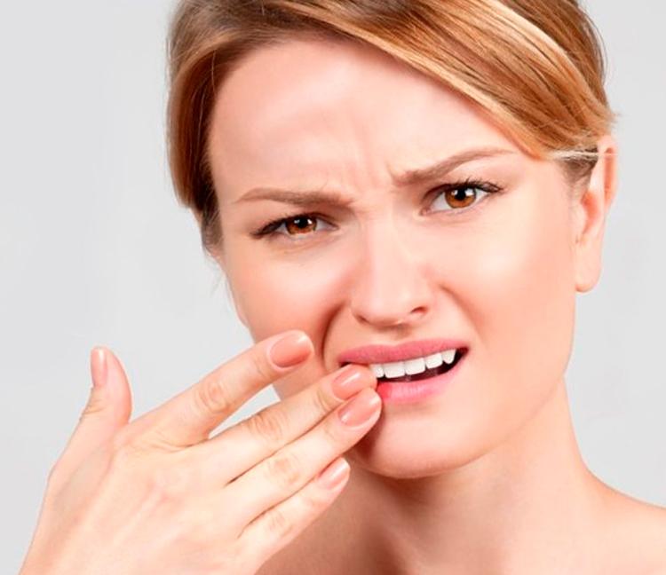 6 действенных мер, которые избавят от кровоточивости десен при чистке зубов