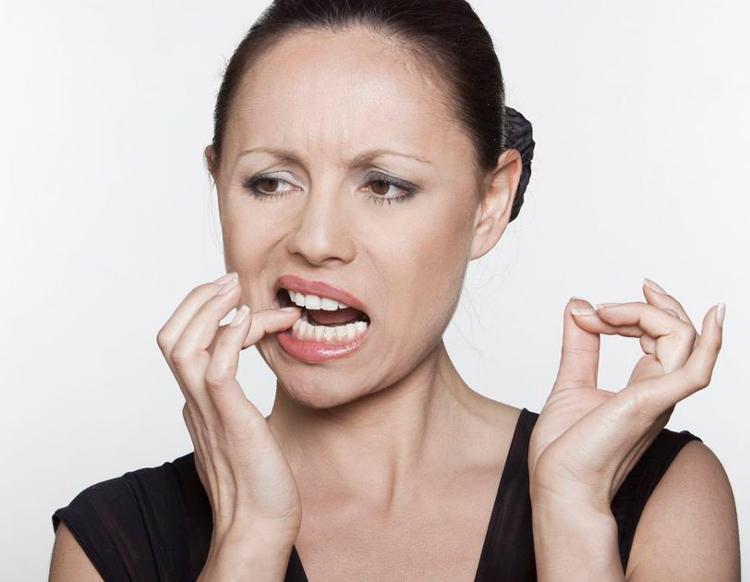 6 главных причин, почему болит зуб под коронкой при надавливании