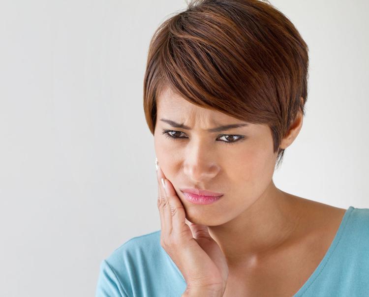 5 основных причин, из-за которых воспаляются корни зубов