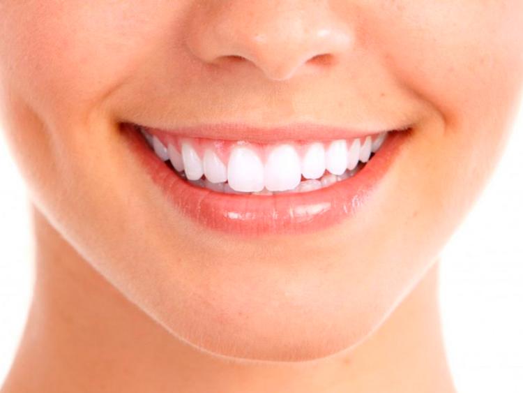 Белоснежные зубы: разбираем все виды отбеливания зубов