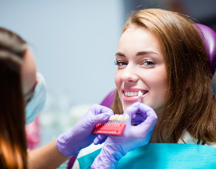 Что такое реставрационное отбеливание зубов?