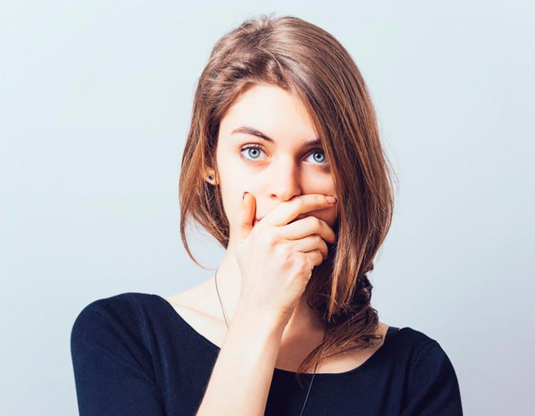 Белые пятна во рту у взрослого: ответы на актуальные вопросы по теме