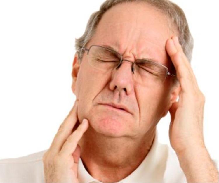 Болит голова и челюсть: все причины, которые к этому приводят