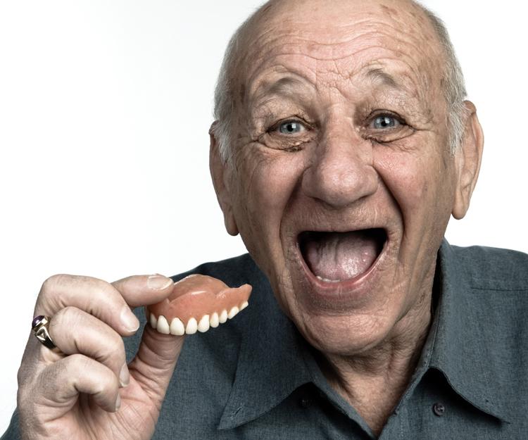 5 видов протезов при полном отсутствии зубов